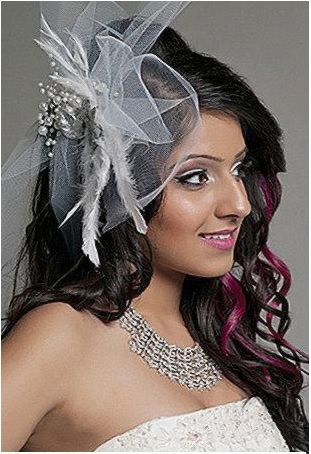 Puffed Crown Hairstyles For Brides With Veils